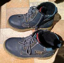 Продам детские демисезонные ботиночки