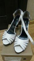 Босоножки белые выпускной свадьба женские Carvari кожаные 40