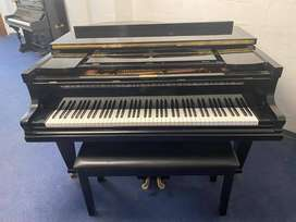 BLACK DUYSEN BABY GRAND PIANO