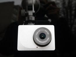 Видео регистратор Xiaomi Yi Car DVR WiFi