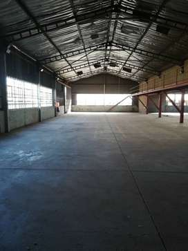 450m2 warehouse to let in Anderbolt