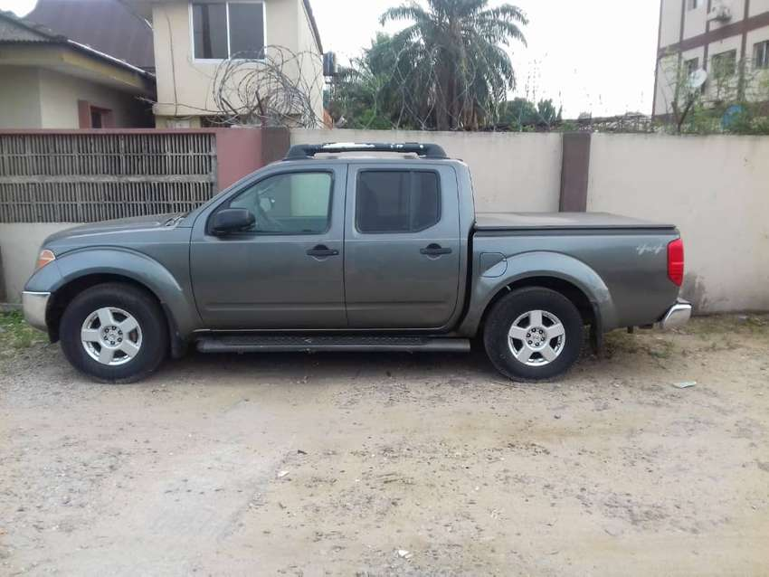 neatly used nissan pick up 0