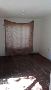 Image of Room available to rent in Pomona