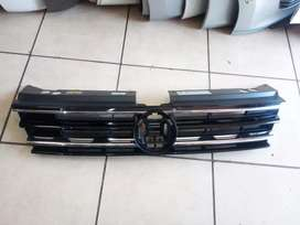 VW Tiguan front grill