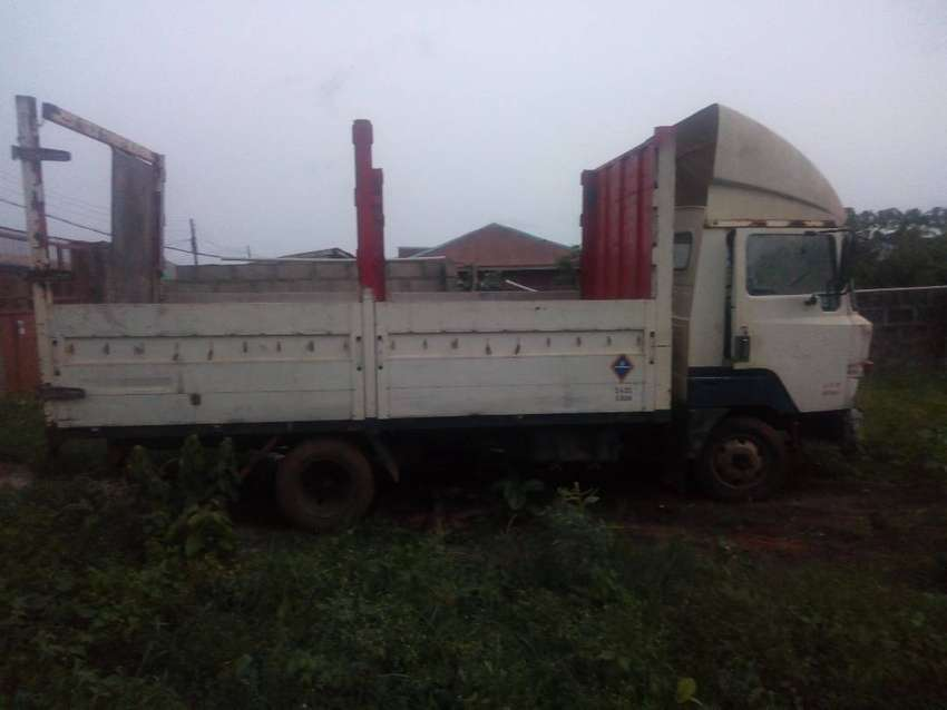 Few Months Registered Nissan 3.5 ton truck for sale 0