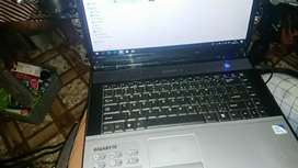 Hie people am selling my laptop