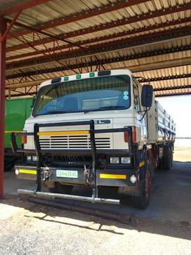 NISSAN CW45 DOUBLE AXLE FOR SALE: