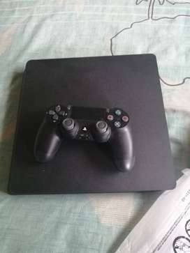 Playstation 4 brand second hand 500G space