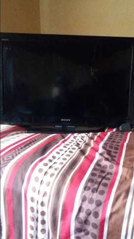32 inch sony bravia lcd colour tv, model no: 32BX320, 2015