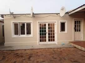 BACHELOR APARTMENT IN GOODWOOD SEPARATE ENTRANCE NEWLY REFURBISHED
