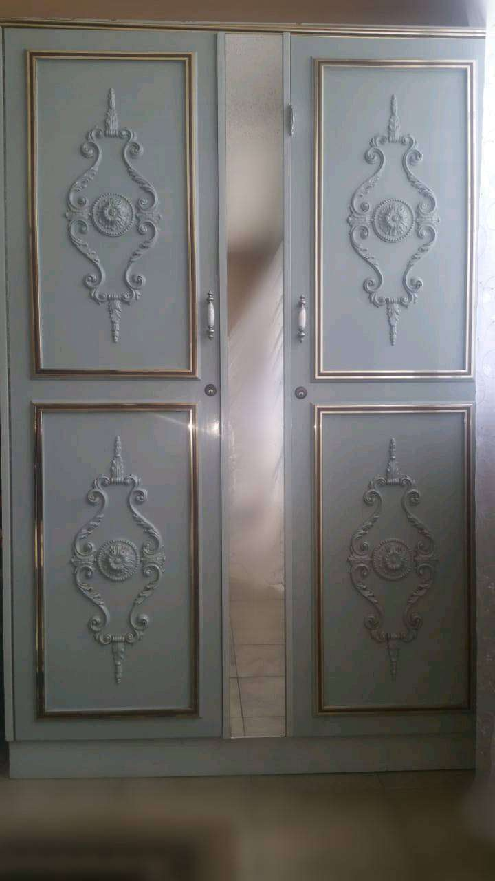 Imported Cupboard 0