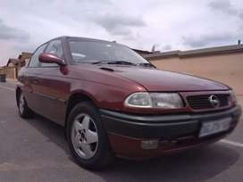 Opel Astra 1.6is