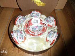Sześć chińskich filiżanek i talerzyków - zestaw prezentowy