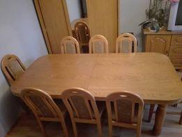Sprzedam stół z 8 krzesłami i komodę