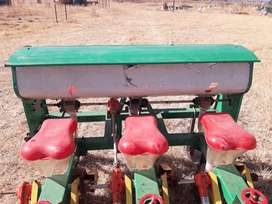 3-row maize planter in very good condition - used for one season
