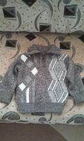 Теплый свитер детский.