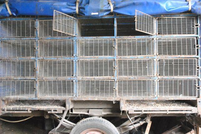 Усиленный прицеп-клетка для перевозки птицы. 50 клеток.