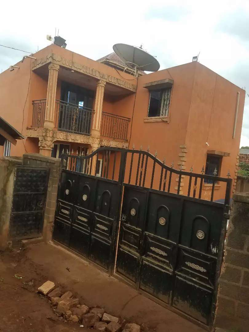 3 bedroom flat for sale with a lake view in ndejje entebbe road 0