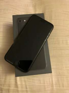 Space gray iPhone 8 complete in box