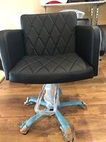 Кресло парикмахерское в наличии F.