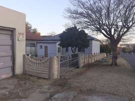 Cottage available in Alberton North,