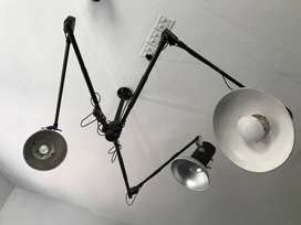 3 X STUDIO LIGHTS  (SYSTEM HENSEL & BOWENS ) INCL. 3 ARMS FOR WALL
