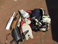 Image of Cricket Set Complete (incl Ball and Wiki gloves)