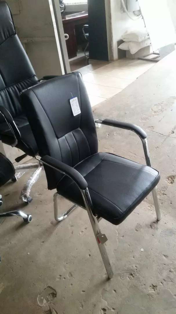Leather chair brand new 0