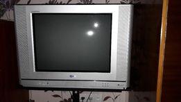 Телевизор LG 21 FB 20 с подставкой в подарок