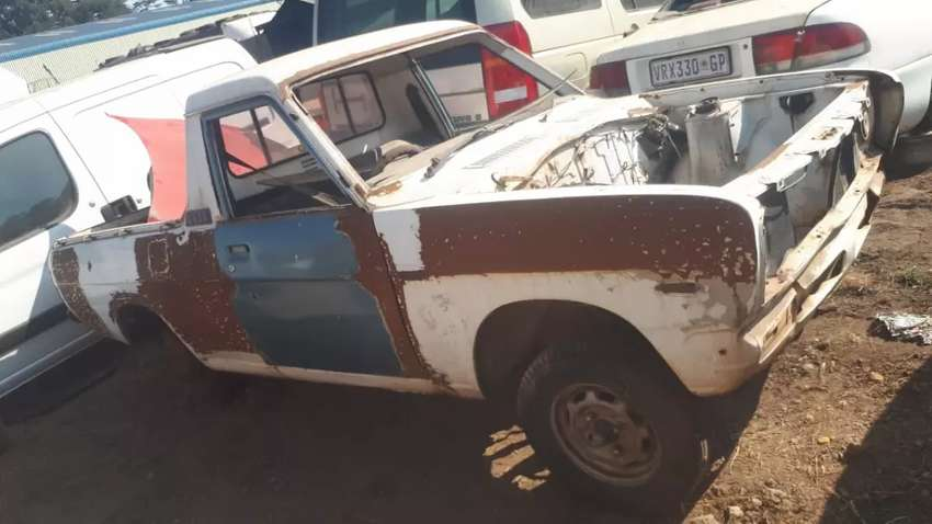 Nissan 1400 stripping for spares 0