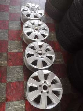 "16"" Amarok mag wheels only for r5500"