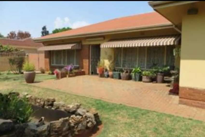 Lovely spacious house for sale in oberholzer carletonville 0