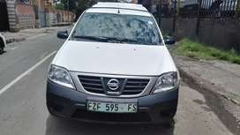 2012 Nissan Np200 1.6 with Canopy