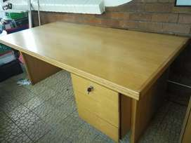 Executive Desk Credenza & 4 drawer filing cabinet