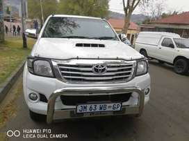 2014 Toyota Hilux 3.0 D4D 4x4 with leather seats