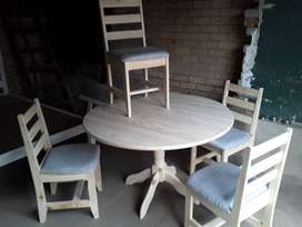900 ROUND DINING ROOM TABLE & CHAIRS SET
