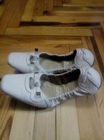 женские туфли Braska, коженые, белого цвета, на резинке, 40размер