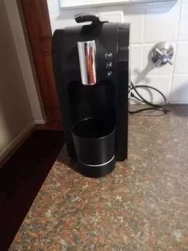 Nespresto Capsule Coffee Machine