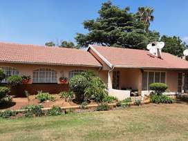Meredale - Mondeor Area - Home for Sale