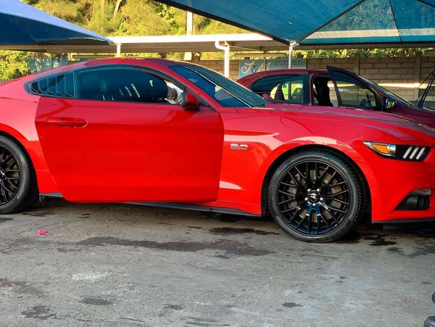 Race red 2016 Ford Mustang Gt 0