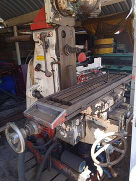 G. Oufour Milling machine for sale
