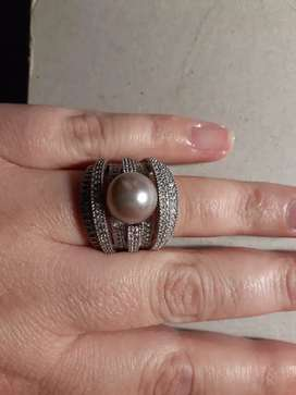 Pearly  Bulky  Ring
