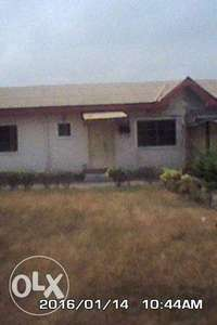 3bdrm flat with Bq set back at RIVER VALLEY ESTATE,Available 4 SALE.. 0