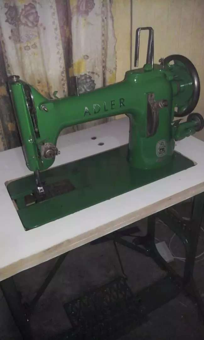 ADLER HEAVY DUTY LEATHER SEWING MACHINE 0