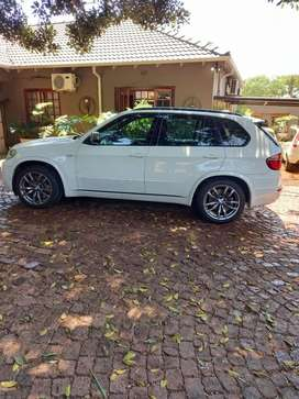 Bmwx5m50d,280kw good condition  ,full service records and no comments