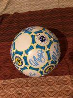 Оригинальный мяч с автографами игроков Динамо киев