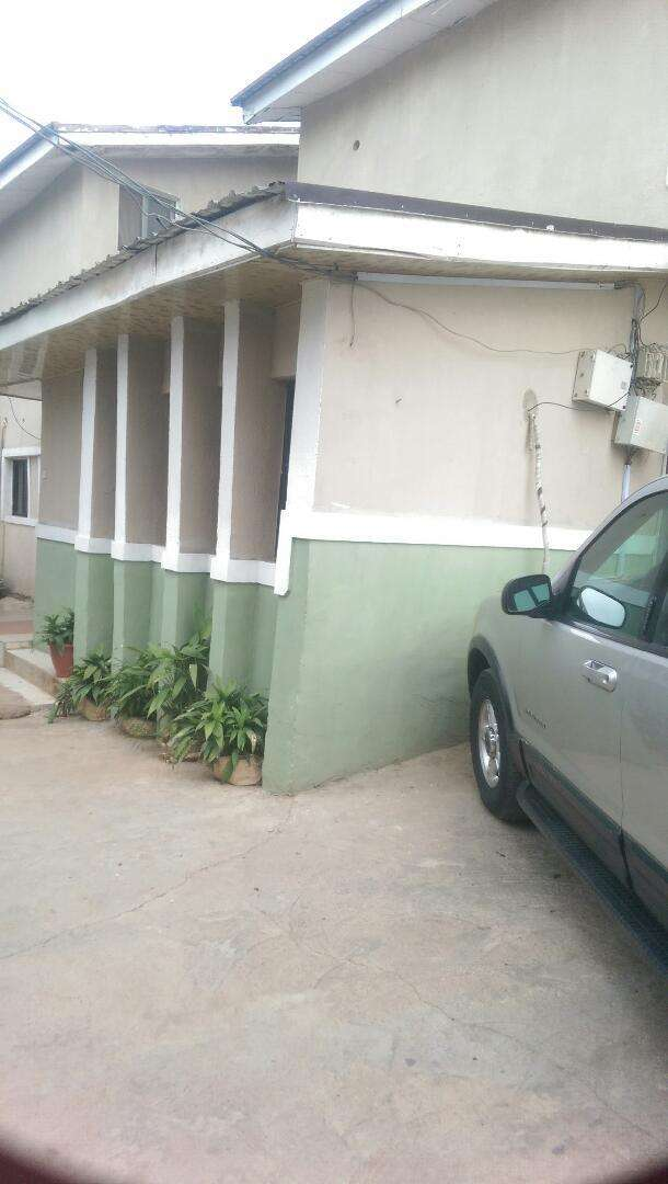 Serviced and furnished apartment in gwarinpa 0