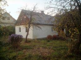 Продам дом в Новоград Волынский, ремонт, сад, участок 18 сот.