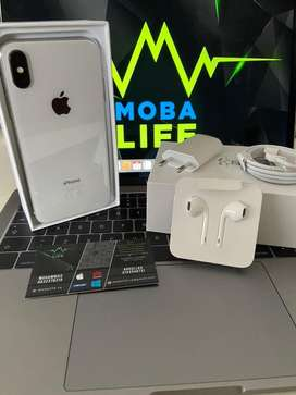 iPhone X 256GB Silver Immaculate Condition