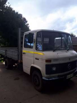 Mercedes-Benz Truck for sale